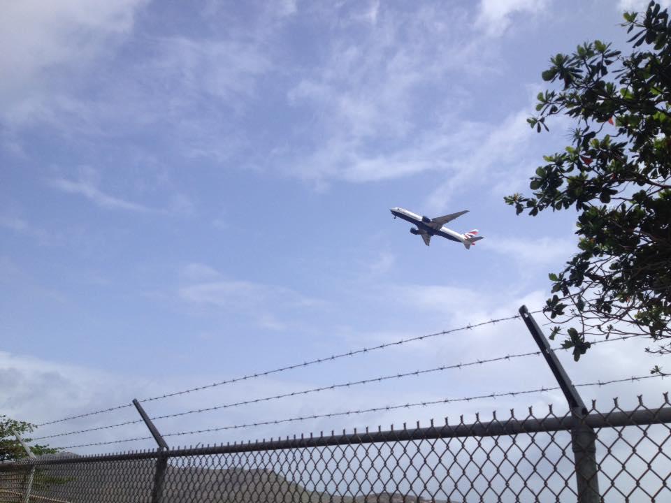 plane-takingoff